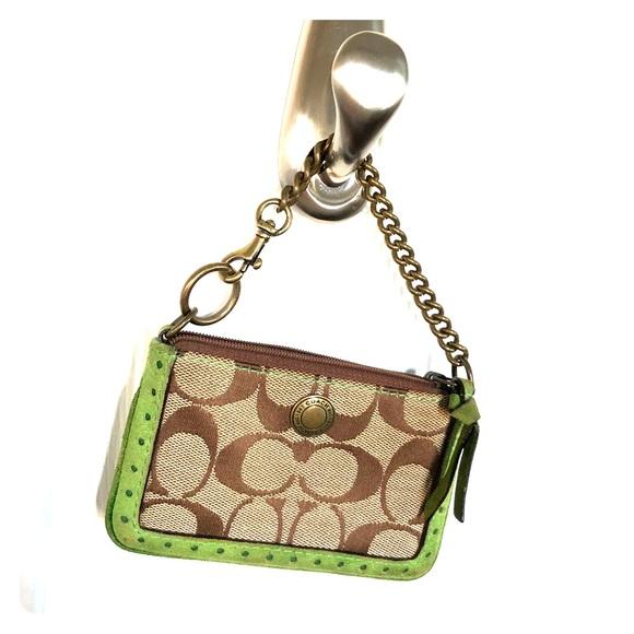 39e35705ce ... reduced coach signature id coin purse with key fob b9850 42c47